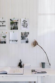 White country style home office featuring decor and reminders attached to the wall using washi tape | Photography: Marnie Hawson #whiteroom #homeofficeinspo #homeoffice #wfhsetup #washitape #simpledecor #homeorganisation Interior Design Magazine, Office Interior Design, Office Interiors, Country Style Magazine, Home Office Organization, Country Style Homes, Rustic Design, Retro, Old And New