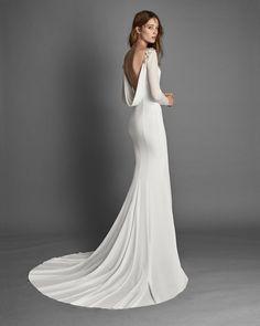RANDA - Bridal 2018. Alma Novia Collection Cowl Back Wedding Dress, Bateau Wedding Dress, Minimal Wedding Dress, Plain Wedding Dress, Stunning Wedding Dresses, Classic Wedding Dress, Wedding Dress Sleeves, Bridal Dresses, Dresses With Sleeves