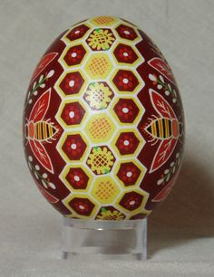 Hived bees and honeycomb duck pysanka by HankyPysanky on Etsy Incredible Eggs, Ukrainian Easter Eggs, Ukrainian Art, Bee Boxes, Popular Crafts, Easter Egg Crafts, Egg Designs, Faberge Eggs, Egg Art