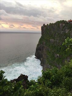 Pura Uluwatu // Temple // Cliff // Bali // Indonesia