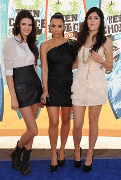 Kim Kourtney and Khloe Kardashian at Teen Choice Awards (Los Angeles, August 8, 2010) (95 HQ pictures)  #KhloeKardashian #KimKardashian #KourtneyKardashian See full set - http://celebsvenue.com/kim-kourtney-and-khloe-kardashian-at-teen-choice-awards-los-angeles-august-8-2010-95-hq-pictures/