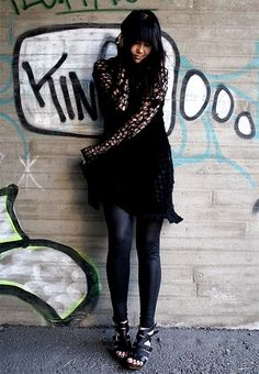 I made this Rodarte inspired black knitted dress from a scarf as a DIY project.     http://soloha.vn/sofa-ni.html
