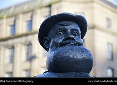 Deperate Dan Statue Dundee Scotland, via Flickr.