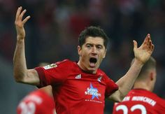 Lewandowski agent refuses to rule out Bayern exit