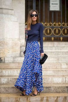 Paris Street Style Spring 2015 - Best Street Style Paris Fashion Week - Harper's BAZAAR Blue pullover paired with a blue & white maxi skirt Net Fashion, Fashion Mode, Look Fashion, Paris Fashion, Fashion Trends, Trendy Fashion, Fall Fashion, Latest Fashion, Fashion Styles