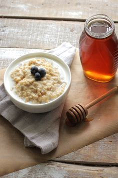 How to make soaked oatmeal. This soaked oatmeal is traditionally prepared. It's delicious and healthy. Homemade oatmeal is the perfect breakfast. Soaked