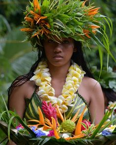 Polynesian Dance, Polynesian Girls, Polynesian Culture, All About Hawaii, Tahitian Costumes, Native American Teepee, Tahitian Dance, Hula Dance, Hawaiian Art