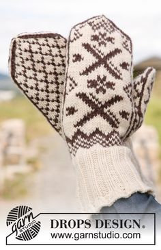 Men - Free knitting patterns and crochet patterns by DROPS Design Mittens Pattern, Knit Mittens, Knitted Gloves, Knitting Patterns Free, Free Knitting, Free Pattern, Crochet Patterns, Drops Design, The Mitten