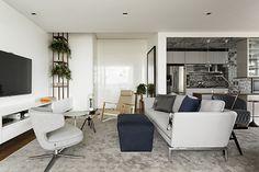 apartamento-com-decoracao-neutra-pecas-de-design-diego-revollo-3