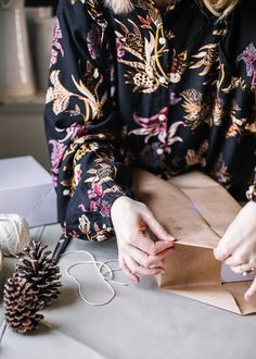 Natural Gift Wrap Ideas - A Daily Something - Earthy Simple Gift Wrapping Ideas Wrapping Ideas, Gift Wrapping, Sustainable Gifts, Cozy Christmas, Winter Holidays, Earthy, November, Wraps, Natural
