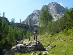"""Foto: Dolomiti Friulane - Escursioni guidate in montagna, corsi di escursionismo. Monti Sibillini, Gran Sasso-Monti della Laga (Marche_ Abruzzo).  """"Camminare in montagna è ginnastica per il corpo e per la mente."""""""