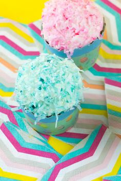 Gear up for spring with these Pastel Coconut SnoBall Cupcakes with decadent Marshmallow filling and frosting! Great for a spring table, Easter brunch or just because! Lemon Cupcakes, Easter Cupcakes, Vanilla Cupcakes, Yummy Cupcakes, Cupcake Party, Mini Cupcakes, Coconut Cupcakes, Diy Cupcake, Coconut Frosting