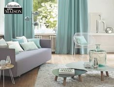The perfect blend of blue and green, which leaves a touch of sophistication and elegance that can be used in the interior in a variety of ways. Mint Living Rooms, Home Living Room, Living Spaces, Mint Green Decor, Green Home Decor, Single Apartment, Living Comedor, Room Color Schemes, Bedroom Colors
