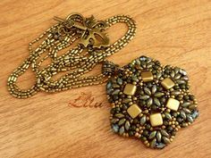 Free pattern for pendant Antique by Lina Tolstova. #Seed #Bead #Tutorials