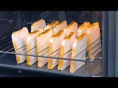 Stecke 12 Toasts hochkant in den Rost und schmeiß den Ofen an | Sandwiches vom Partyblech - YouTube Breakfast And Brunch, Breakfast Recipes, Tapas, Good Food, Yummy Food, Delicious Sandwiches, Food Hacks, Finger Foods, Feta