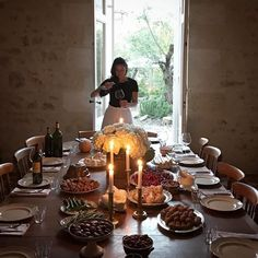 That beautiful light. Hosting a dinner with our photography workshop guests. Mimi Thorisson, Thanksgiving, Photography Workshops, Beautiful Lights, Dinner Table, Food Styling, Love Food, Kitchen Dining, Summer Picnic