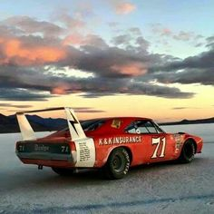 Dodge Daytona - Bobby Isaac i love the picture! 1969 Dodge Charger Daytona, Dodge Daytona, Dodge Muscle Cars, Custom Muscle Cars, Us Cars, Sport Cars, Valentina Rupaul Drag Race, Racing Wallpaper, Supercars