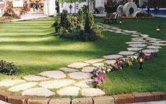 Vialetto da giardino fai da te: i consigli per rendere unica la tua area verde - Come realizzare un vialetto in giardino con il fai da te? Segui questi consigli per rendere unica la tua area verde.