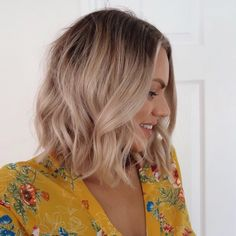 All Time Best Shoulder Length Bob Hairstyles 2019 That Are Simply Gorgeous. These are Most Admiring Bob Hairstyles for Women to Show Off in This Year Has Brought New Fascinating Hairstyles for Women. Ombre Bob Hair, Ombre Hair Color, Bobs For Thin Hair, Short Thin Hair, Bobs Rubios, Medium Hair Styles, Short Hair Styles, Bobs Blondes, Blonde With Dark Roots