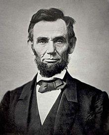Abraham Lincoln né le 12 février 1809 dans le Comté de Hardin et mort le 15 avril 1865 à Washington est le seizième Président des États-Unis.