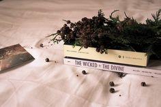 """""""Mi piace"""": 44, commenti: 1 - Bookstetic (@bookstetic) su Instagram: """"Buon pomeriggio a tutti!  La scorsa settimana ho fatto delle letture molto """"divine"""". I titoli in…"""""""