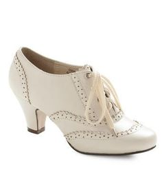 Vintage-ish shoes for your 1920s-styled wedding