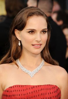 Photo: Natalie Portman wearing a Harry Winston set at the 84th annual Oscars ceremony