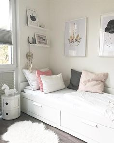 free inspiring small teen bedroom ideas you will love Small Bedroom, Ikea Bedroom, Small Room Bedroom, Small Rooms, Bedroom Wall, Girls Bedroom, Bedroom Decor, Small Teen Room, Very Small Bedroom, Small Spaces