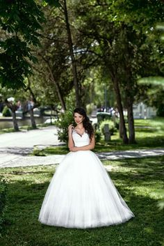 A beautiful wedding is not complete without a stunning wedding dress. Choose yours from www.salongeea.ro !