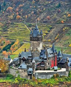 Reichsburg Cochem in Cochem Germany - Reichsburg Cochem was occupied by King Konrad III, who declared it an Imperial castle. In the castle was overrun by French King Louis XIV's troops in the course of the Nine Years' War. Beautiful Castles, Beautiful Buildings, Beautiful Places, Places In Europe, Places To See, Chateau Moyen Age, Photo Chateau, Château Fort, Germany Castles