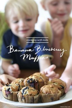 eat: banana blueberry muffin recipe for kids || Classic Play
