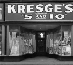 S.S. Kresge Co. Ext. photo of temporary store. :: Royal Photo Company Collection
