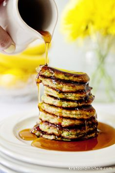 Spinach and Pear Pancakes. Easy and healthy breakfast that the kids will love too!