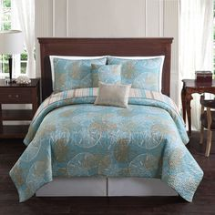 Sand Dollar Reversible Quilt Set in Blue/Taupe