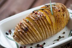 Hasselback potatoes en 45 minutes au four Hasselback Potatoes, No Cook Meals, Baked Potato, Lunch, Baking, Ethnic Recipes, Food, Garden, Cooking Recipes