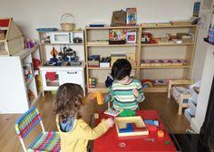 Homeschooling o educación en casa en España. Diferentes métodos (unschooling, ecléctico, Waldorf, Montessori). Un pequeño resumen sobre cómo afrontar la educación de nuestros hijos fuera de la escu…