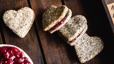 Makové linecké srdiečka - Recepty SweetFamily Sweet, 3, Poppy, Food, Basket, Candy, Essen, Meals, Yemek