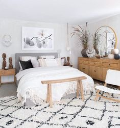 Cozy Bedroom Ideas, Most awesome bedroom design examples and tips. Post status d. Cozy Bedroom Ideas, Most awesome bedroom design examples and tips. Cozy Bedroom, Home Decor Bedroom, Bedroom Ideas, Bedroom Designs, Bedroom Interiors, Decor Room, Bedroom Inspiration, Bedding Decor, Bedroom Furniture
