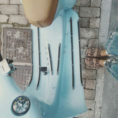 Just another Vespa love story! Leopard sandals & cropped jeans #mydebour