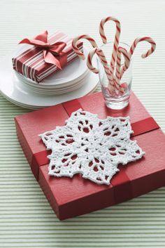 Free snowflake pattern.