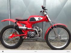Honda C110, 125cc.