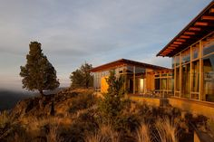Famous Tree by architect James Cutler - WSJ Magazine Daily - WSJ  The house was built in a remote location, 25 miles out of Sisters, Oregon (population 1,800), at an altitude of more than 4,000 feet.