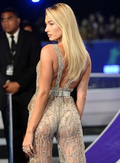 """hailey-source: """" Hailey Baldwin attends the 2017 MTV Video Music Awards in LA 08.27.17 """""""