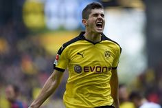 USA teen Christian Pulisic scores first Bundesliga goal in Borussia Dortmund win – in pictures