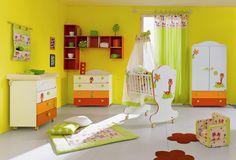 SASSI Mobili arreda tutte le età: camere e camerette per neonati, bimbi e adolescenti.