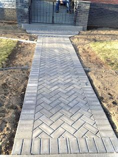 Awesome Paver Patio Ideas with Building Tips That Really Pops 76 Stunning Backyard Patio Ideas Pavers Walkways 29 Front Yard Walkway, Brick Walkway, Front Yard Landscaping, Landscaping Ideas, Front Porch, Paver Sidewalk, Paver Walkway, Paver Edging, Walkways