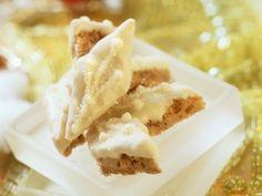 Erdnuss-Rauten mit weißer Schokolade | Zeit: 45 Min. | http://eatsmarter.de/rezepte/erdnuss-rauten-mit-weisser-schokolade