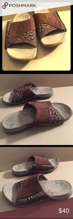 Brown Merrell Slip On Shoes Size 6 Merrell Slip On Shoes Size 6. Great used condition, please see pictures for details. High quality and comfortable. Merrell Shoes Sandals