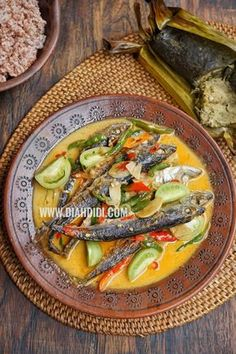 Fish Recipes, Meat Recipes, Cooking Recipes, Diah Didi Kitchen, Indonesian Cuisine, Seafood Dishes, Lunches And Dinners, Kitchen Recipes, Food And Drink