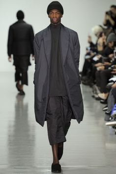 See all the Collection photos from Agi & Sam Autumn/Winter 2014 Menswear now on British Vogue Fashion Art, Fashion Show, Mens Fashion, Fashion Outfits, Fashion Design, Vogue Paris, Fall Winter 2014, Autumn, Fall 14